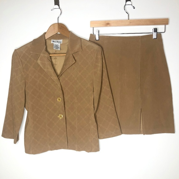 Vintage Dresses & Skirts - VTG Ultra Dress Camel Color Faux Suede Skirt Suit